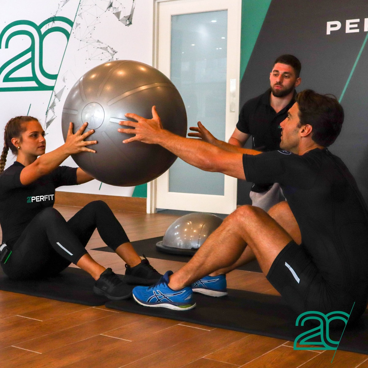 Exercising with an Anti-burst Gym Ball Using 20PerFit's EMS Technology